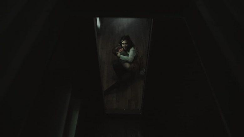 Zło czyha za drzwiami zalukaj
